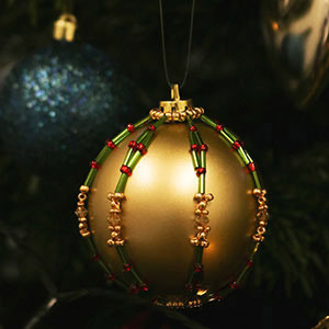 create beaded bauble