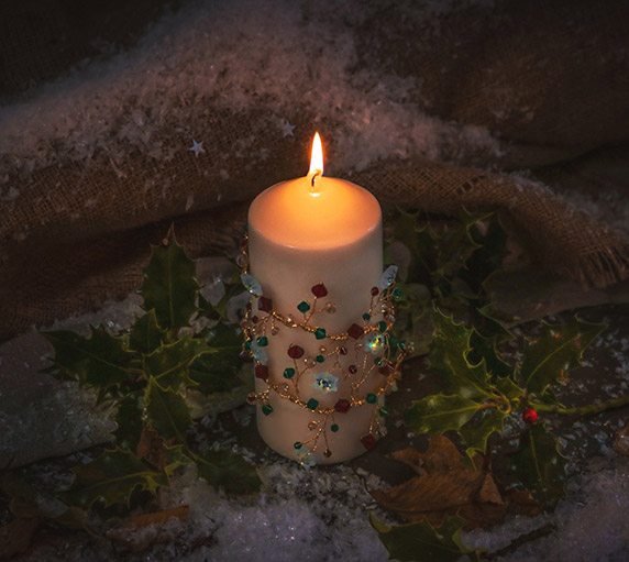 Create a Swarovski Christmas Candle