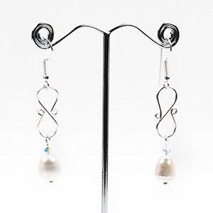 create figure of eight earrings