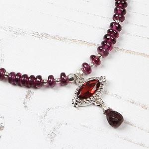 create garnet necklace