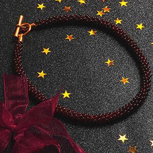 make kumihimo garnet necklace
