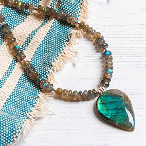 make labradorite pendant necklace