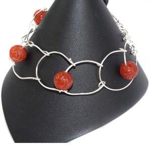 create a loopy links bracelet