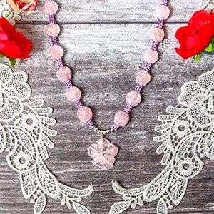 make macrame floral necklace