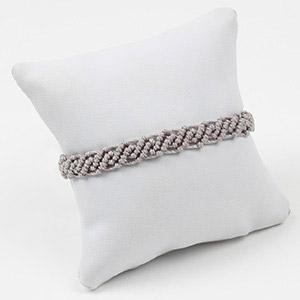 create macrame friendship bracelets