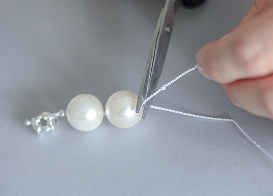 pearl knotted necklace tutorial step 3