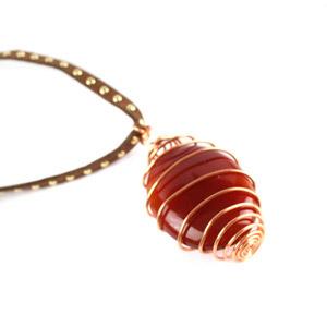 create a spiral caged gemstone