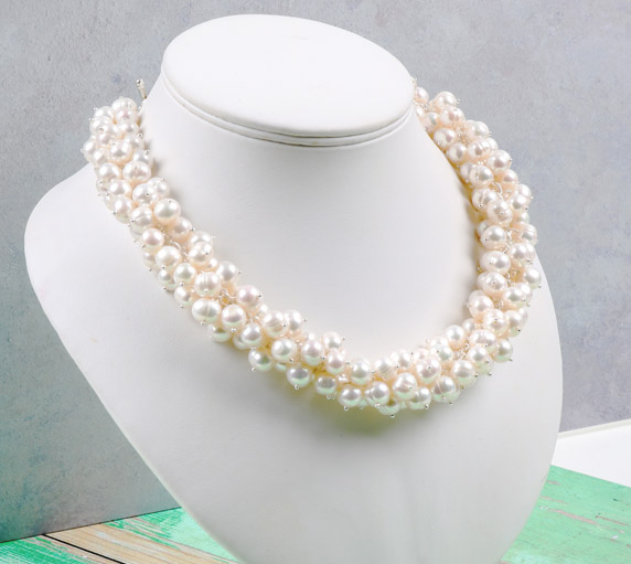 Create bubble bridal necklace