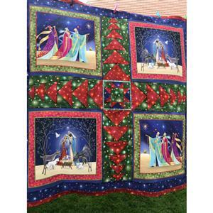 Delphine Brooks' Christmas Flying Geese Quilt Kit: Instructions, Panel & Fabric (2m)